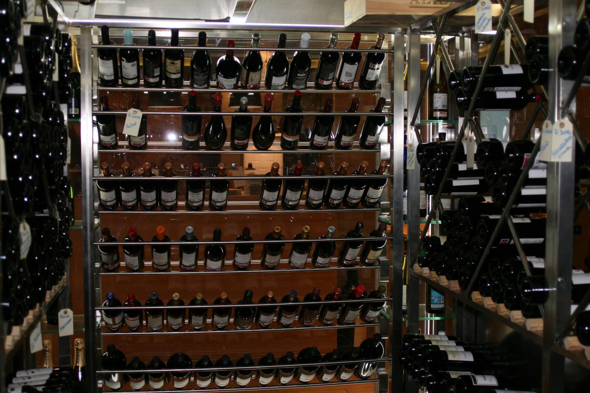 Cava de vino Círculo Marisquería