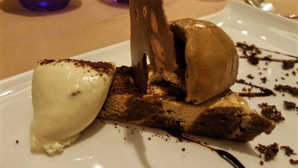 Ars Vivendi Tiramisu clásico con helado de café