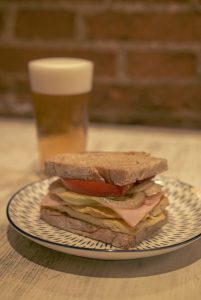 Oktoberfest Sandwich fresco de pavo con francesa y caña - Zampa