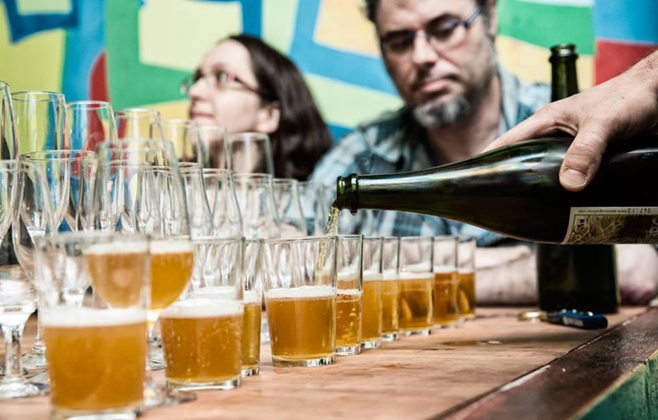 Cervezas en Chinaski Lavapies dentro de la Artesana Week 2019